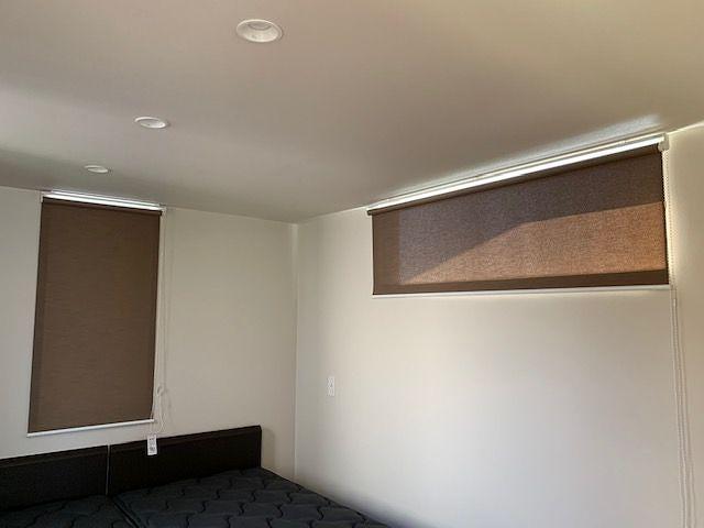 寝室 ロールスクリーンの施工事例
