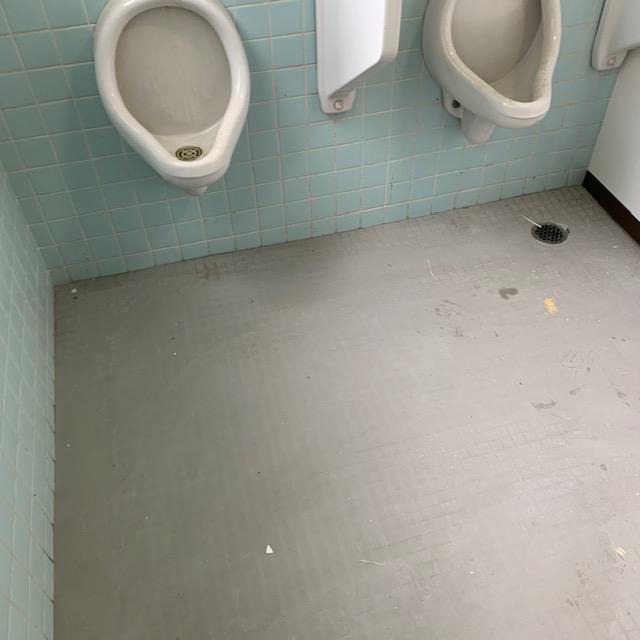 航空大学トイレ施工前