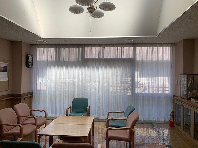 老人ホームのケースメントカーテン