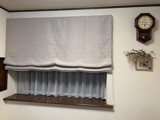 出窓のプレーンシェード