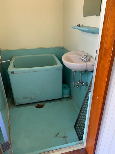 昭和を感じる古いお風呂場