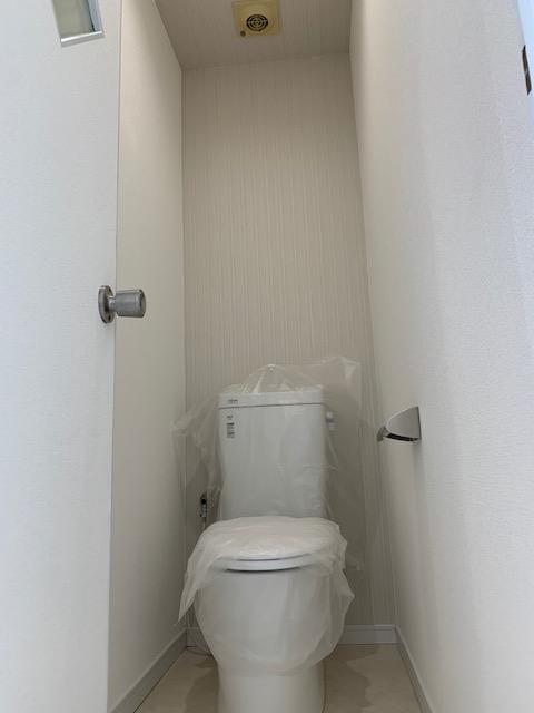 古いアパートのトイレをリフォーム