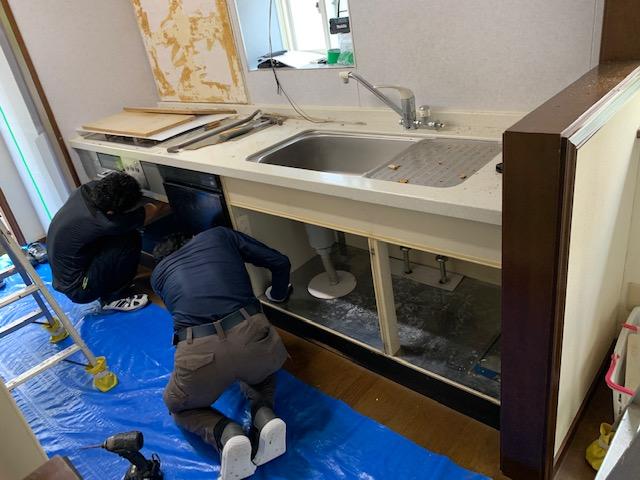流し台の解体撤去②宮崎市