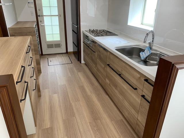 システムキッチン入替と台所のリフォーム完成①